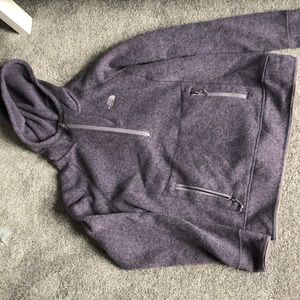 North face hooded 1/4 zip sweatshirt w/ zip pocket